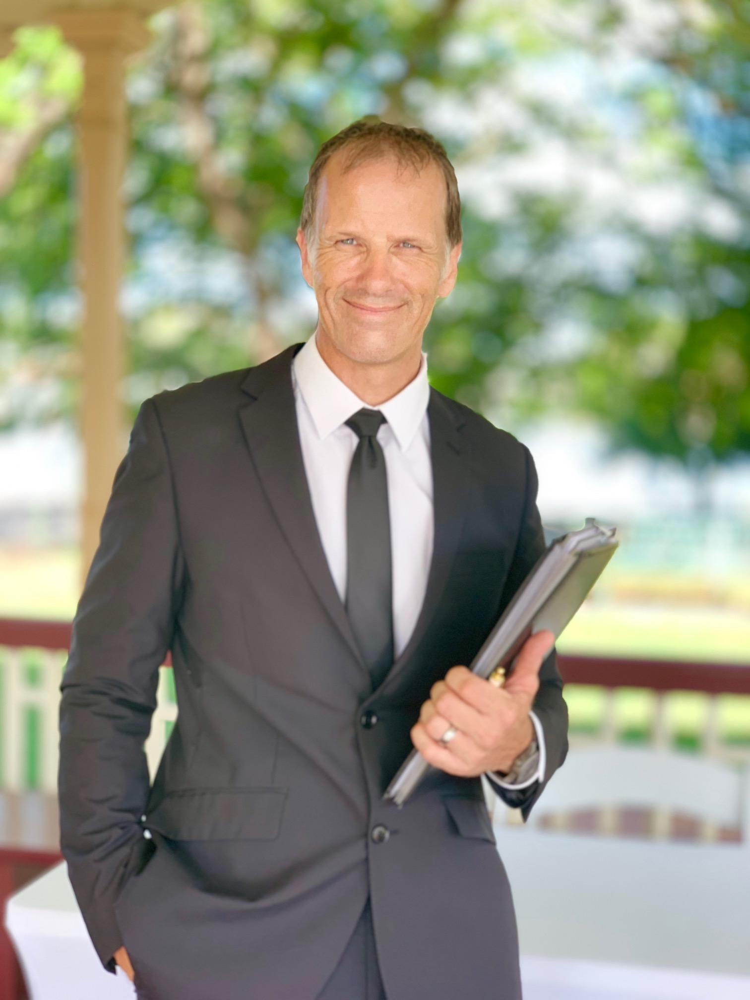 Brisbane Marriage Celebrant Jamie Eastgate