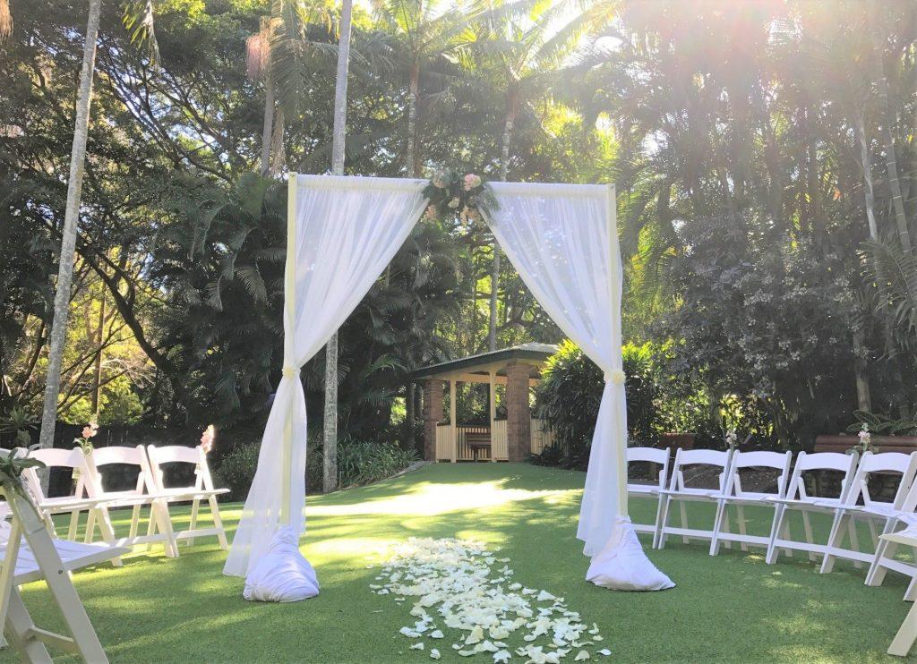 Circular wedding ceremony Mt Coot-tha