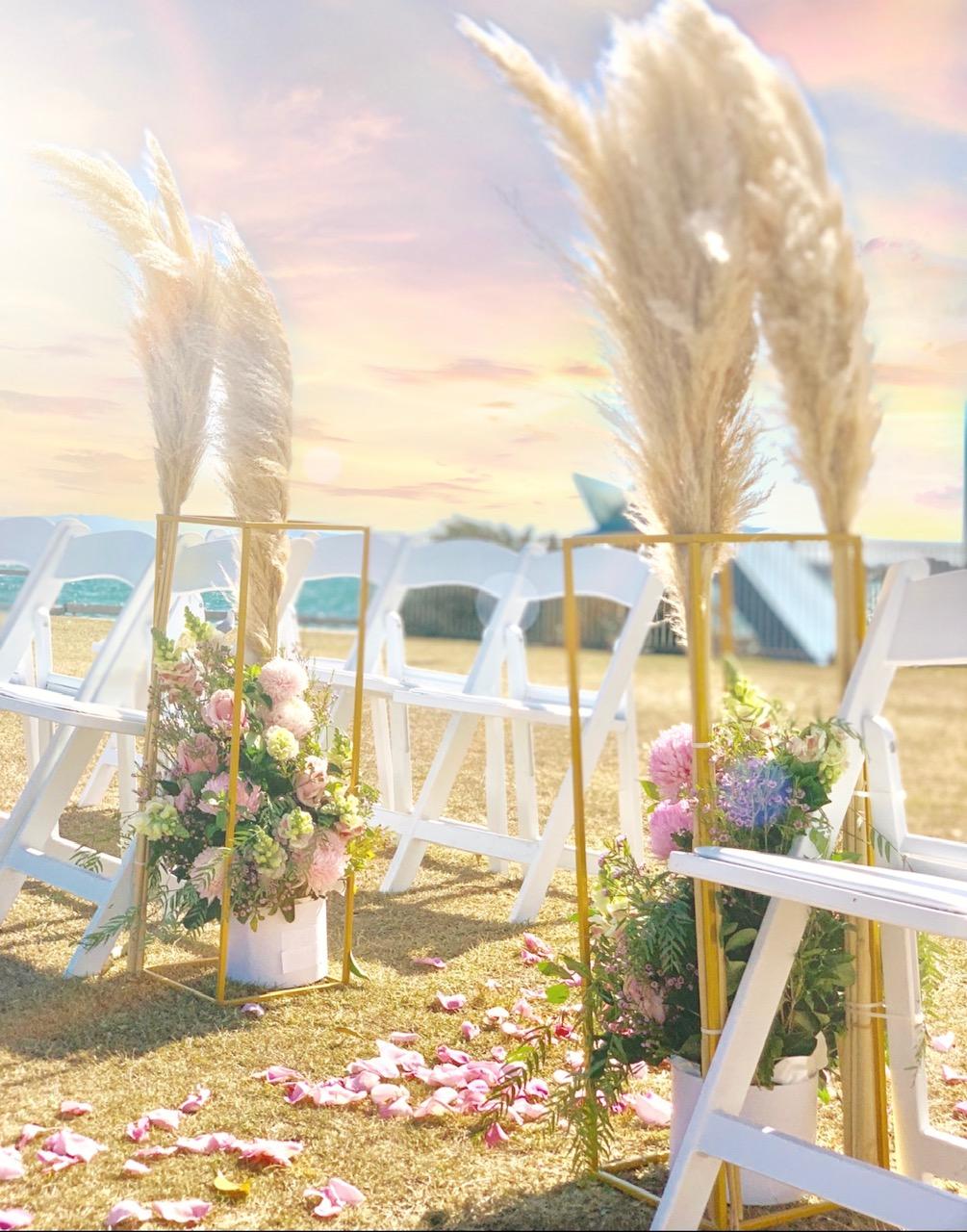 wedding aisle pillar