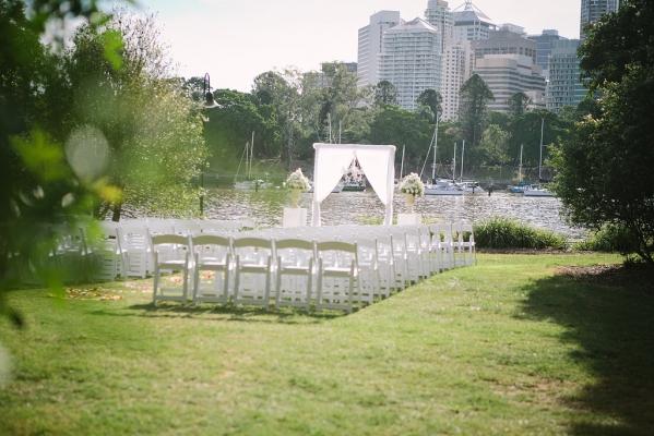 Kangaroo Point riverside wedding Brisbane