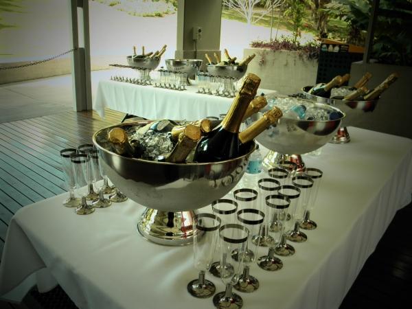 Harry Oakman Pavilion wedding drinks