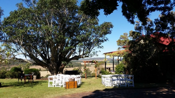 Spicers Hidden Vale wedding ceremony arbour