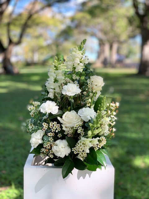 Wedding ceremony flowers white