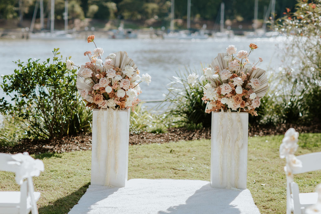 wedding decor aisle pillars